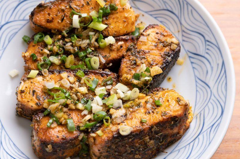 亞洲風肯瓊煎鮭魚